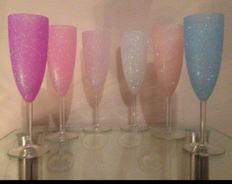 Set of 4 champagne flutes Glitter Wine glass, Personalised Sparkly Glitter Novelty Occasion Wine Glasses - Top Half Glittered