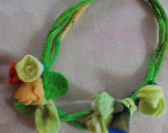 Felted Rose necklace, woolen Roses necklace, Felt necklace Roses, made to order felted necklace, felted flower necklace, flowers necklace
