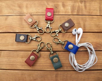 Cord holder leather Cable organizer Headphone cord organizer Cord keeper leather Cord organizer Leather Earphone holder Cord wrap leather