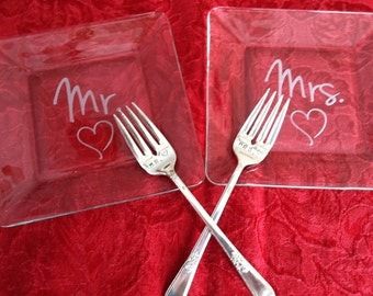 Wedding Registry Mr. and Mrs. Etched Glass  Wedding Cake Plates with matching Hand Stamped Silver Plated Forks Wedding Shower Photo Prop