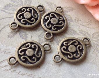 12 mm Antique Bronze Round Shape Charm Connectors (.ttn)