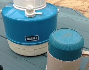 Thermos teal color picnic jug and 10 oz container