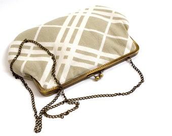 kisslock bag, clutch bag, kiss lock handbag, kiss lock purse, , kiss lock pouch, makeup bag, evening clutch bag, retro bag