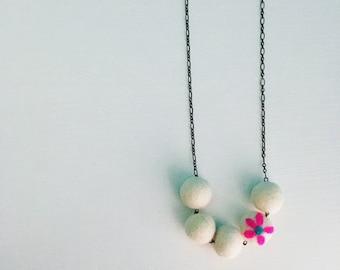 Southport Felt Necklace - White