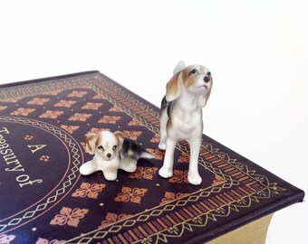Vintage Miniatures - Dogs - Beagle Dogs - Terrarium Decor - Fairy Garden Decor - Ceramic Miniature Beagle and Puppy Dog