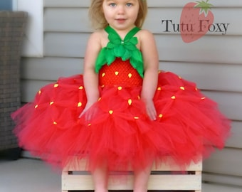 Food Costume, Strawberry Tutu Dress, Strawberry Tutu, Strawberry Costume, Strawberry Birthday, Strawberry Outfit, Halloween costume,
