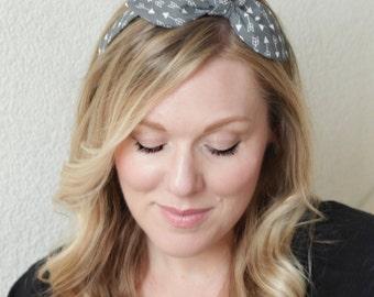 Dolly Bow Headband Wire Headband Scarf Headband Teen Woman Rockabilly Pinup 50s Hair, Gray Arrow Print
