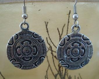 Round dangle earrings silver