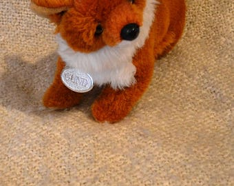 "GUND FOX PLUSH Vintage 1990, Brown with White trim. 11"" Nose to Tail. With Gund silver Tag. Glass Eyes, Wood Nose."