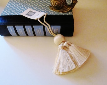 Houlès Aurore Key Tassel, French Chic, French Key Tassel, Ivory and Beige Tassel, Nico Decor by Houlès, The Gilded Tassel