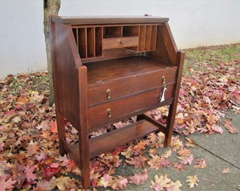 Antique Arts & Crafts Desk  w5106