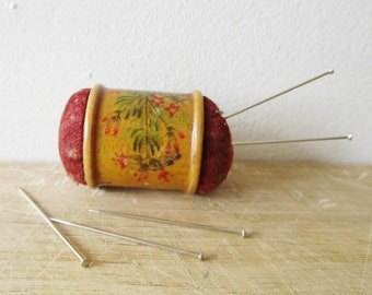 Antique LITTLE french pincushion, 1900s, Vintage Sewing, Hand painted, Needle, Pique aiguille épingle, France