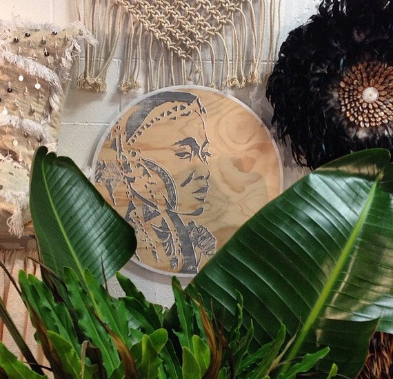 Tribal Round Wall Art Grey & White Timber Porthole with African Design / Wakulu the Warrior Woman