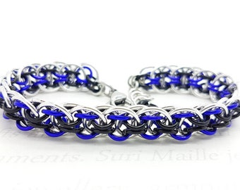 Nidhogg chain maille bracelet in black and purple