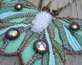 Papillon vert Collier - Collier - perle brodé Collier - perles collier - déclaration - bijoux fantaisie - papillon