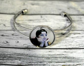 Jewelry bracelet personalized with a photo or text, personalized gift idea