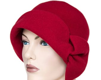 Red Hat with bow, 20s