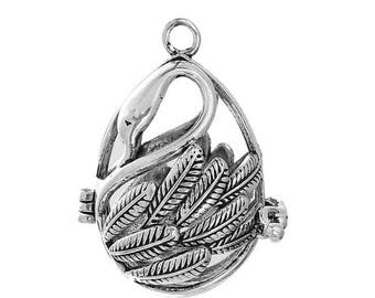 1 Pearl antiqued silver Swan bird cage