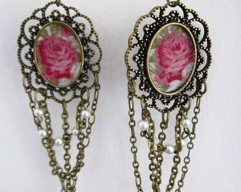 Retro chic earrings