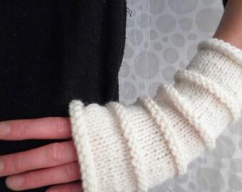 KNITTING PATTERN/OSLO Fingerless Gloves Easy Knit Glove/ Simple Straight Knit Glove Pattern 3 sizes 3 lengths Womans Girls Fingerless Gloves