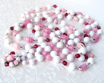 1950s JAPAN Vintage Multi Strand Pink White Glass Beaded Necklace Fuchsia Swirl Lampwork Beads 3 Strands Costume Jewelry Cluster Clasp Red