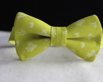 lime green bow tie, ring bearer bow tie, bow tie for little boys, green bow tie, floral bow tie, boys bow tie, floral bow tie, Wedding