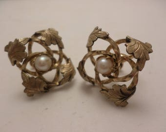 Lovely 50's 12kt Gold Filled screwback earrings pearl Ivy HG marked