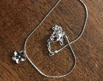Large and Simple Flower Anklet