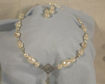 Silver & Pearl Necklace Set
