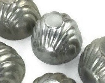 Vintage Gelatin Molds * Set of 8 * Aluminum Jello Moulds * Fluted Shell Shaped Tins