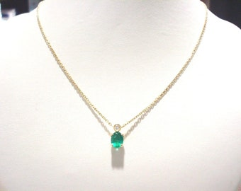 Splendid 18 Carat Gold 1.14 Carat Emerald Diamond Necklace.