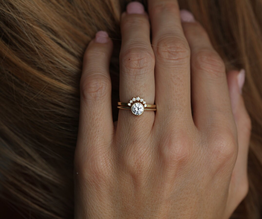 Yellow Gold Diamond Ring Curved Diamond Band Simple Wedding