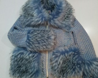 Jacket with blue fur