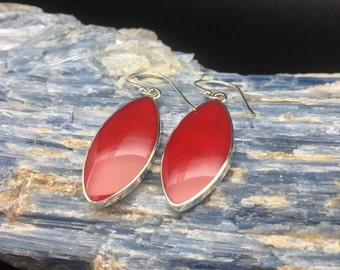 Red Shell Silver Earrings // 925 Sterling Silver // Hypoallergenic // Oval Setting // Hook Backing