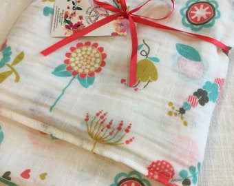Double gauze swaddle, Muslin swaddle, baby blanket, flower, flowers, swaddle blanket, cotton swaddle, swaddle, baby gift, muslin