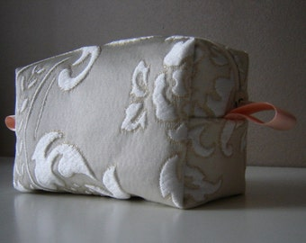 Make up bag,Cosmetic Bag,make up Pouch,Makeup organizer,Pencil case,cosmetic case,accessory bag,white make up bag