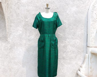 Vintage 50s Green Dress, Silk Sheath, Big Pockets and Button Dress, Large Size