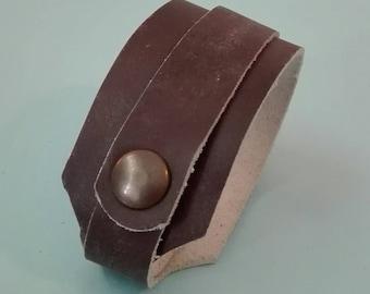 Various wide leather Bracelets