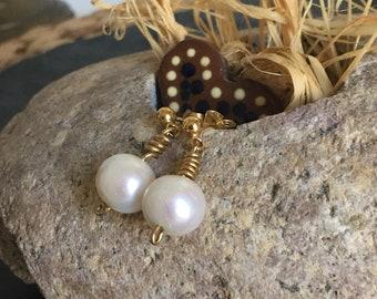 Golden earrings White Pearl bridal Earrings wedding earrings pearls natural