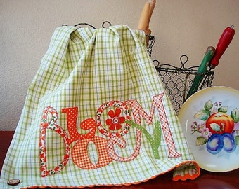 Bloom Kitchen Towel -  Spring Kitchen Decor Accessory - Retro Style Towel - Spring Home Decor - Hostess Friend Mom Her Gift - Ready to Ship