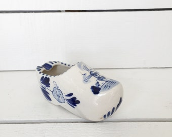 Blue and White Ceramic Ashtray Dutch Clog with Windmills and Flowers, Vintage Tobacciana, Collectible Ashtray, Gift for Smoker