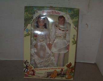 MIB Classic Dolls of Snow and Prince Charming