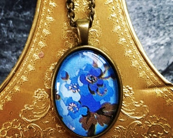 Forget-Me-Not Cabochon Necklace