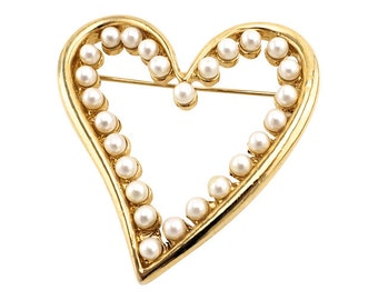 Pretty Vintage Heart Brooch With Faux Pearls