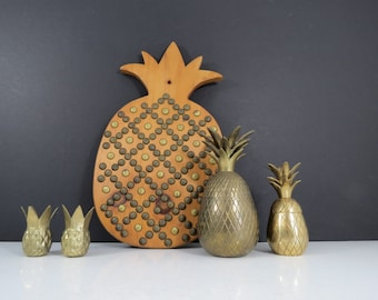 Wooden Pineapple Wall Hanging // Vintage Mid Century Modern Pineapple Trivet or Wall Decoration Handmade Handcrafted Hollywood Regency