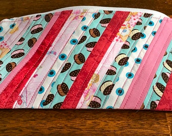 """Zipper Pouch quilted and lined - 9.5"""" x 5.25"""" - pink and blue color theme"""
