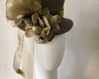 Victorian style riding hat|Taupe fur felt top hat|percher|chartreuse vintage silk velvet ribbon|vintage velvet strawberry trim