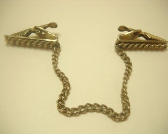 Vintage Gold Tone Chain Sweater Guard (6193)