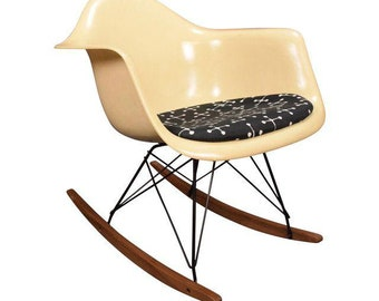 Vintage Mid Century Eames Rocking Chair by Herman Miller