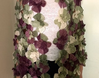 Irish Lace Crochet Floral Palantine